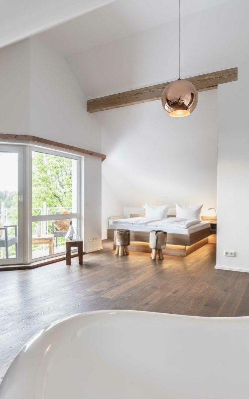 Seelodge Kremmen Hotel Am Wasser Kupfersuite Blick Aus Der Badewanne